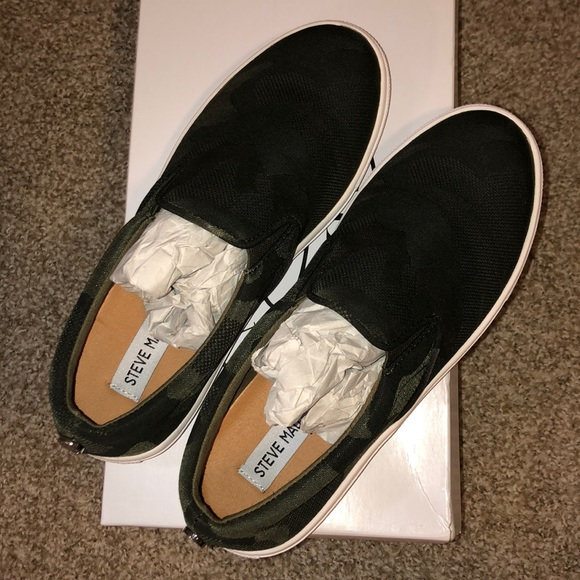 7df8c65a2a8 NWT Steve Madden Ecentric Camo 7.5 Sneaker NWT